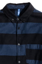Twill shirt - Dark blue/Striped - Men | H&M 3