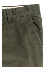 Chinos Slim fit - Dark khaki green - Men | H&M CN 4