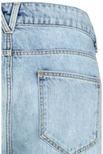 Girlfriend Trashed Jeans - Light denim blue - Ladies | H&M 4