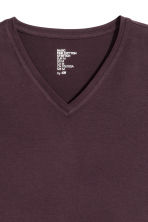 V-neck T-shirt Slim fit - Dark plum - Men | H&M CN 3