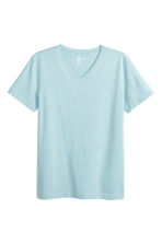 V-neck T-shirt Slim fit - Light blue - Men | H&M CN 2