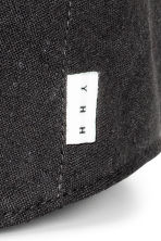 Linen-blend flat cap - Black - Men | H&M CN 3