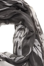 Patterned scarf - Dark grey/White - Ladies | H&M CN 3