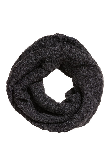 Tube scarf in a textured knit