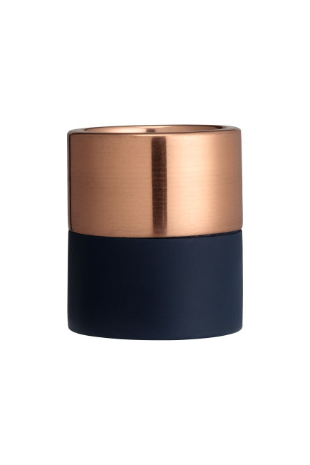Cylindrical tealight holder