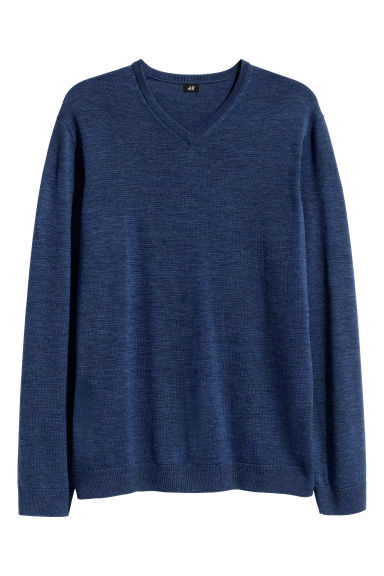 V-neck merino wool jumper Model