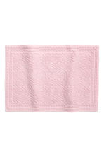 Jacquard-weave bath mat - Light pink - Home All | H&M CA 1
