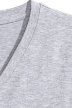 V-neck T-shirt - Grey - Men | H&M CN 3
