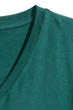 V-neck T-shirt - Green - Men | H&M CN 3