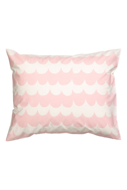 Patterned pillowcase