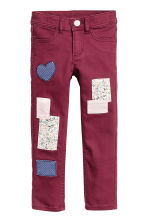 Twill patch-detail trousers - Burgundy - Kids | H&M CN 2