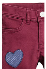 Twill patch-detail trousers - Burgundy - Kids | H&M CN 3