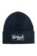 Knitted hat - Dark Blue/New York - Kids | H&M CN 1