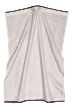 Serviette en coton éponge - Gris clair - Home All | H&M FR 2