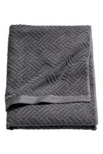 Jacquard-patterned bath towel - Dark grey - Home All | H&M CN 1