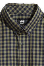 Shirt in cotton poplin - Khaki green/Checked - Men | H&M CN 3