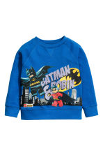 Sweatshirt with a motif - Cornflower blue/Lego - Kids | H&M CN 2
