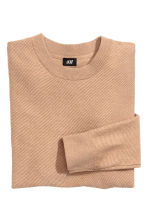 Jumper in a textured knit - Light camel - Men | H&M CN 3