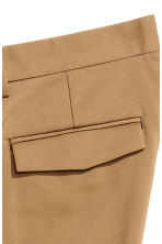 Cropped suit trousers - Dark beige - Men | H&M CN 4
