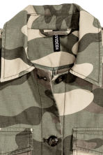 Short cotton parka - Khaki green/Patterned -  | H&M CN 5