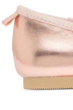 Ballet pumps with strap - Rose gold - Kids | H&M 4