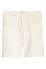 Shorts with creases - Natural white - Ladies | H&M CN 2