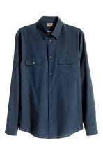 Cupro-blend shirt Regular fit - Dark blue - Men | H&M CN 1
