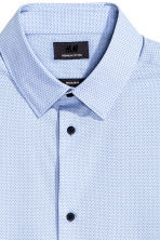 Shirt in premium cotton - Light blue/Spotted - Men | H&M CN 3