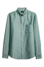 Premium cotton Oxford shirt - Dusky green - Men | H&M 2