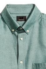 Premium cotton Oxford shirt - Dusky green - Men | H&M 3