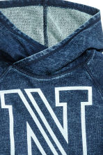 Hooded top with a washed look - Dark denim blue - Kids | H&M CN 3