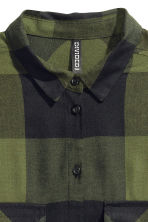 Long shirt - Khaki green/Checked - Ladies | H&M CN 3