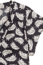 H&M+ Satin blouse - Black/Leaf - Ladies | H&M CN 3