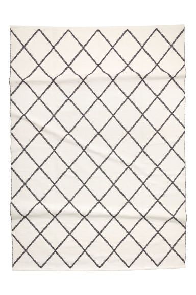 Large Jacquard-weave Rug - White/Black patterned - Home All | H&M CA 1