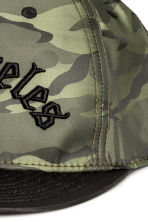 Patterned cap with embroidery - Green/Los Angeles - Men | H&M CN 2