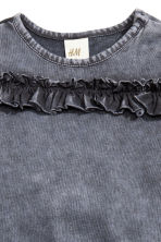 Frilled top - Dark grey -  | H&M CN 2