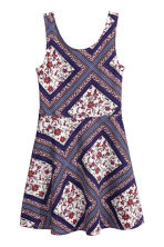 Sleeveless dress - Light beige/Dark blue floral - Ladies | H&M CN 2