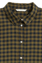 Flannel shirt - Khaki green/Checked - Ladies | H&M CN 3