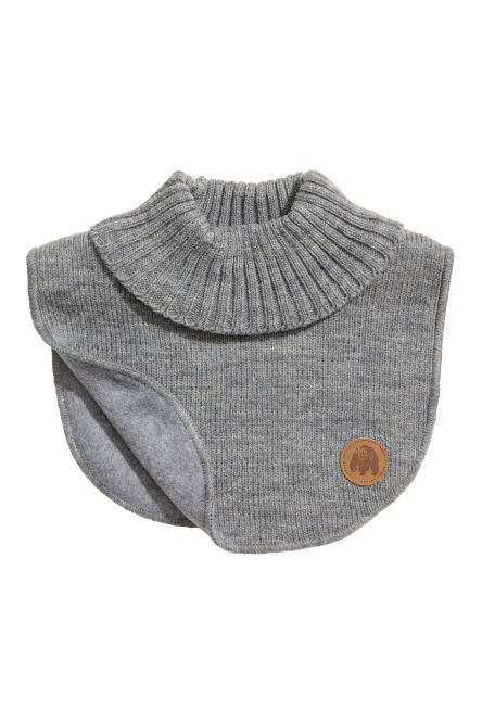 Knitted polo-neck collar
