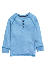 Long-sleeved Henley shirt - Lt.blue/Narrow strip - Kids | H&M CN 2