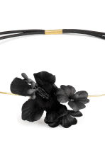 Hairband with flowers - Black - Ladies | H&M CN 2