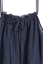Frilled top in a lyocell blend - Dark blue - Ladies | H&M CN 3