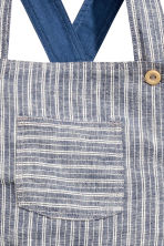 Dungarees in a linen blend - Dark blue/Striped - Kids | H&M CN 2
