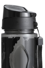 Water bottle with a cap - Black/Floral - Ladies | H&M CN 2