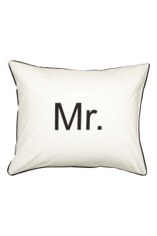 Text-print pillowcase