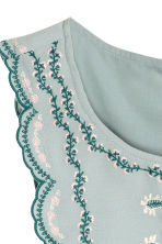 Embroidered blouse - Mint green - Ladies | H&M CN 3