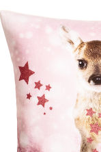 Printed cushion cover - Light pink/Roe deer - Home All | H&M CN 4