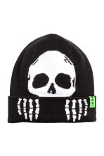 Knitted hat - Black/Skeleton - Kids | H&M CN 1