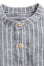 Shirt in a linen blend - Dark blue/Striped - Kids | H&M CN 2