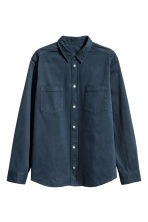 Camicia in cotone con taschini - Blu scuro - UOMO | H&M IT 2